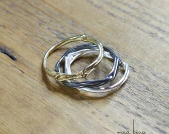 Bague 3 couleurs empilables en argent massif blanc, en argent massif oxydé noir et en or jaune de 18 carats, Alliance fil, Bague minimaliste