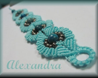 Micro Macrame Tutorial Beaded circle bracelet.  Easy to Follow Instructions