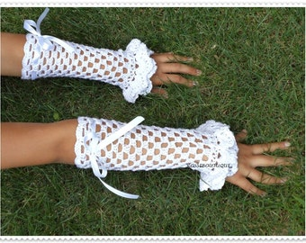 White lace fingerless gloves, Crochet gloves, Wedding gloves, Crochet mittens, Crochet Lace Gloves, Fingerless gloves, Vintage, Weddings