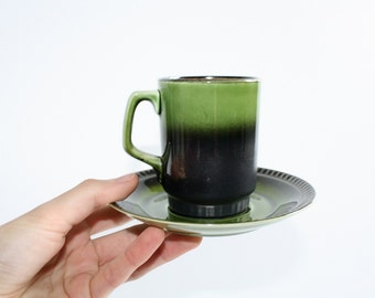 Retro coffee mug with saucer