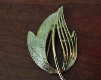 vintage brushed gold leaf pin
