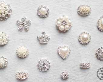 10 Assorted Mix Lot Pearl Rhinestone Silver Base Flat back Brooches Button/Craft Supplies/Wedding Jewerly/Accessories/DIY Brooch Bouquet