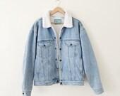 light blue denim jacket with white sherpa fur lining vintage vtg