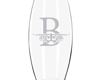Personalized Family Name / Monogram Etched Glass Vase
