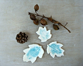 Plant design, center table, white and turquoise ceramic, leaves, ceramic turquoise decoration, ceramic pottery, blue dish, for table decor