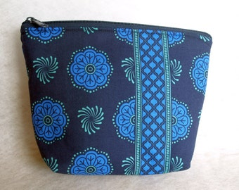 toiletry bag, utility pouch *** Libellae ***