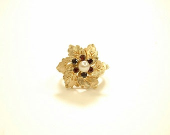 14k yellow gold art nouveau pearl and garnet flower ring