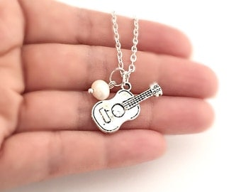Personalized Guitar Necklace with Freshwater Pearl, Custom Jewelry, Guitar Player Necklace, Guitar Jewelry, Music Lover Gift, Guitarist Gift