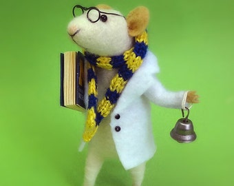 Needle Felted mouse , University mouse ,  Mouse student , Little Mouse Reader , Needle Felted Art Doll