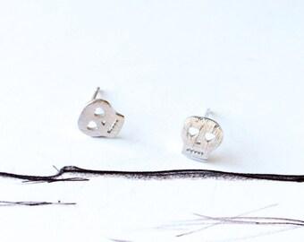 Simple Skull Stud Earring 925 Sterling Silver Stud Special Wire Drawing Silver Earring Simple Everyday Earring Ideal Fun Cool Gift