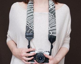 Norah's strap - Black - Comfy padded camera strap - DSLR
