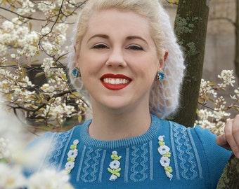 The Vintage Bunny Hair Snood in White Mohair Crocheted from 1940's Design  Retro Pinup