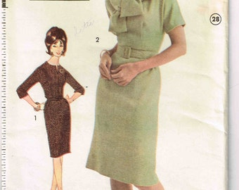 Fitted Dart Bodice Sheath Dress Jr Misses Dress Advance 3113 Sewing Pattern Vintage 1960's Size 14 Bust 34 Inch Junior Slash Neck
