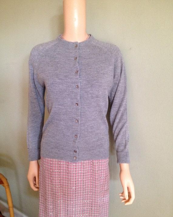 Vintage 1960s Grey DESIGNERS ORIGINALS Orlon Acrylic Cardigan Button Front Sweater-S M