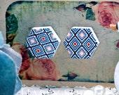 Buy 1 Get 1 Free - 20pcs  (WE08)  Hexagon Handmade Photo Wood Cut Cabochon (Back White)