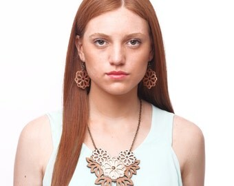 FLORA leather necklace