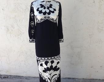 VTG 70's  Cirette of CA art print black white floral Nylon maxi Dress Sz S side slit