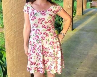 Womens Dress pattern, dress sewing pattern, seamingly smitten, Carrollton Avenue Dress pattern, easy dress pattern for women, circle