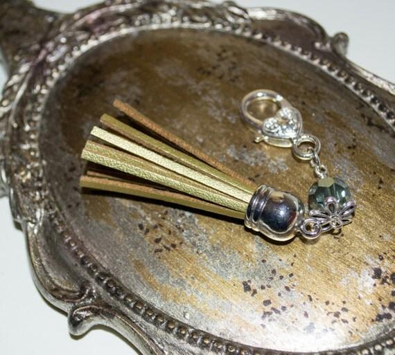 Tassel Key Charm, Boho Purse Charm, Gold Tassel Keyring, Boho Tassel Clip, Gold Handbag Clip, Zipper Pull, Gold Purse Charm, Tassel Zip Pull