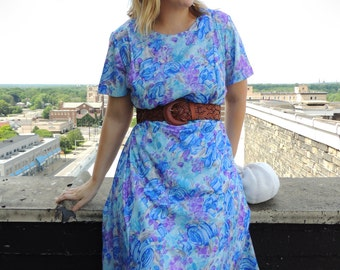 1960's Floral Dress/Blue And Purple Watercolor Dress/Day Dress/Shift Dress/Summer Dress/Chic/Retro Dress/Colorful Dress/Psychedelic Dress