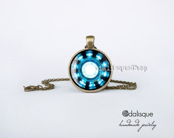 Iron man necklace Arc Reactor Pendant Tony Stark Armor Suit Jewelry Bronze Blue Power Armor Suit  Keyring gift present Avengers cb09