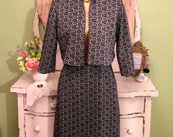 60s Office Jacket & Skirt Set, Black White Minimalist, 1960s Suit, Cropped Jacket w Pencil Skirt, Midcentury Suit, Womens 1960s Suit, XS/S
