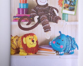 Simplicity 2441, animal toy pattern, yo yo toys, printed pattern, diy toys, uncut sewing pattern