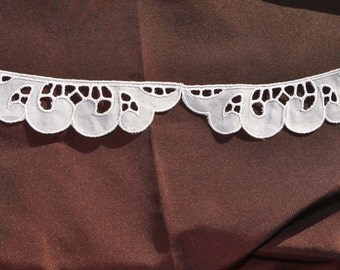 rare vintage 1950s Swiss embroidered white cutwork batiste all cotton trim edging 3.20 meters