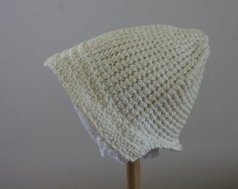 Vintage 1940s Ivory Crocheted Cloche Beanie Style Winter Hat Size Small