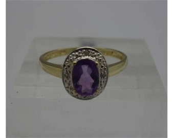 9ct gold, amethyst and diamond ring, weight 1.4g, size O