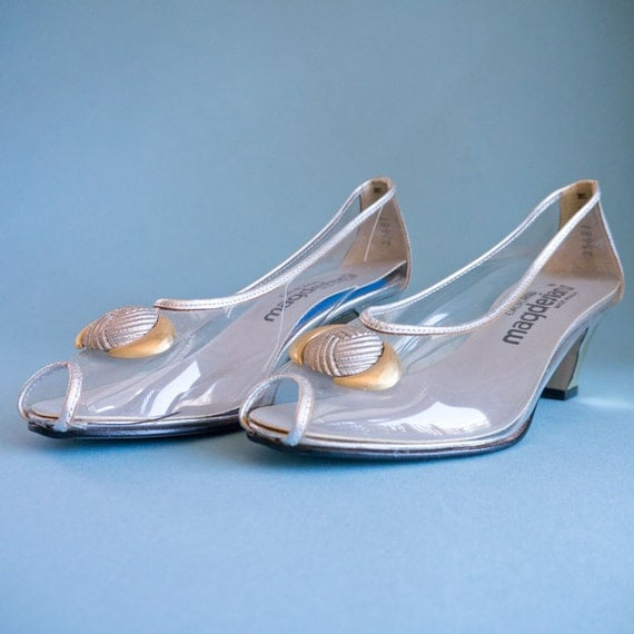 Vintage California Magdesians Clear Peep Toe Metallic Silver and Gold Shoes Size 5 M