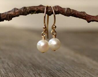 Real pearl earrings, 14K gold filled, sterling silver drop earrings, wedding jewelry, bridesmaid gift, bridal earrings, June birthstone
