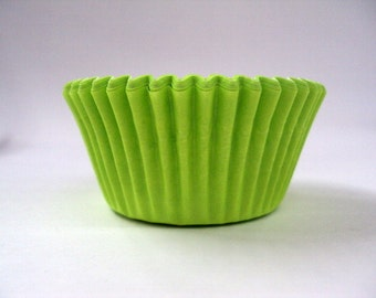 32 Lime Green Baking Cups