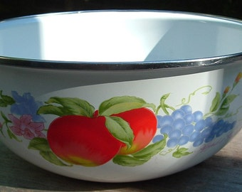 ZERO SHIPPING! Vintage  Enamel Ware Bowl Chippy White w/Apples & Grapes - Farm Fresh!