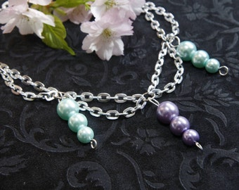 Necklace with glass pearls in pastel colours