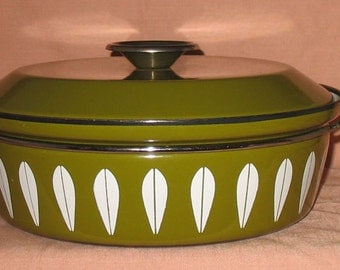 Cathrineholm Norway Dutch Oven Pot Avacado Green Enamelware Lotus Cookware