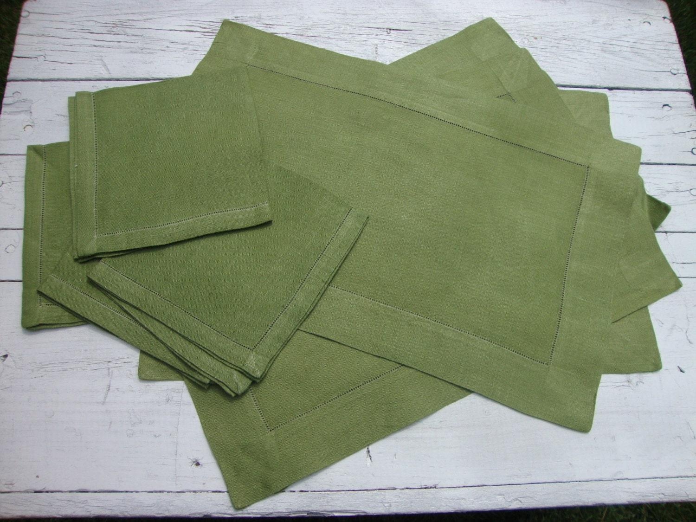 Au milieu du siècle napperon lin vert olive & par onebluenote