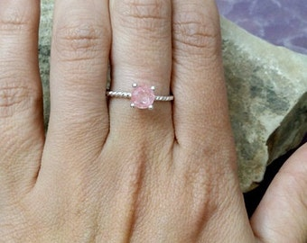 SALE! Rose quartz ring, silver round ring,october birthstone ring,pink ring,rope band, simple ring, minimalist jewelry,delicate ring