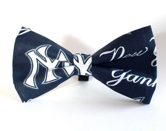 New York Yankees Bow Tie | Baseball Bow Tie | Sports Bow Tie | Baseball Team | Gifts for Him | Kids Baseball Bow Tie | Gift for Sports fan