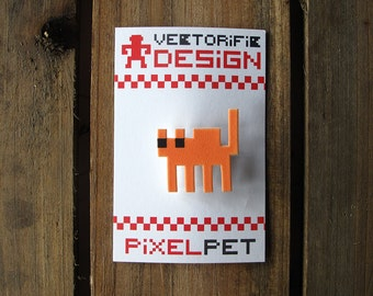 Solid color Pixelpet hissing cat brooch