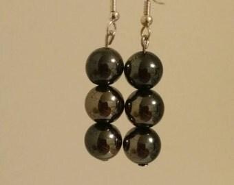 Black earrings, magnetic look earrings, magnetic earrings, dangle earrings, black beads, black jewelry, black earrings, bead earrings, bead