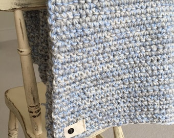 Cosy little boy blue baby blanket (afghan)