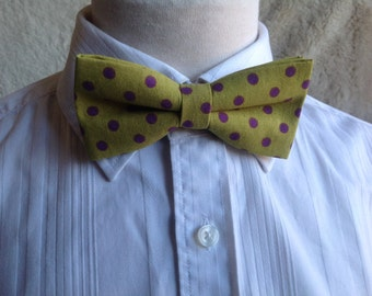Bow tie green with purple dots