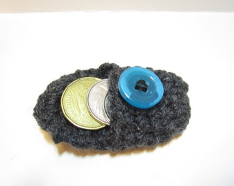 Crochet Quarter Keeper : Crochet Coin Purse in Grey with Blue Button, Coin Holder, Keychain ...