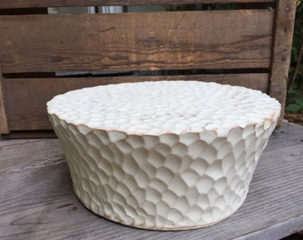 Large cake stand