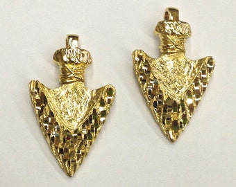 2 Pieces Diamond Cut, Gold Plated Arrowhead Pendant with Hammered Texture