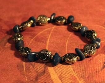 Quartzite Chips and Antiqued Gold Coloured Plastic Beads, Beaded Elastic Bracelet.