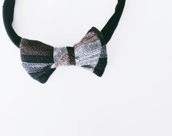 school house bow