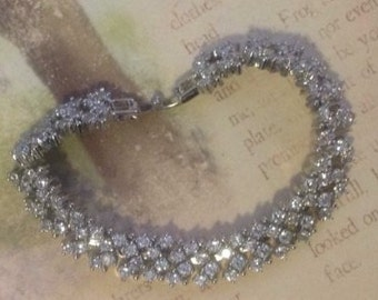 Tara; bracelet, bridal jewellery,bridal accessories, Bridemaids, Bridemaids accesories, gift