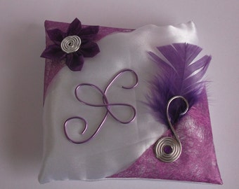 cushion wears white and purple alliances